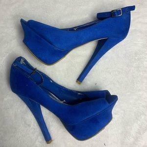 Royal! Royal blue stilettos